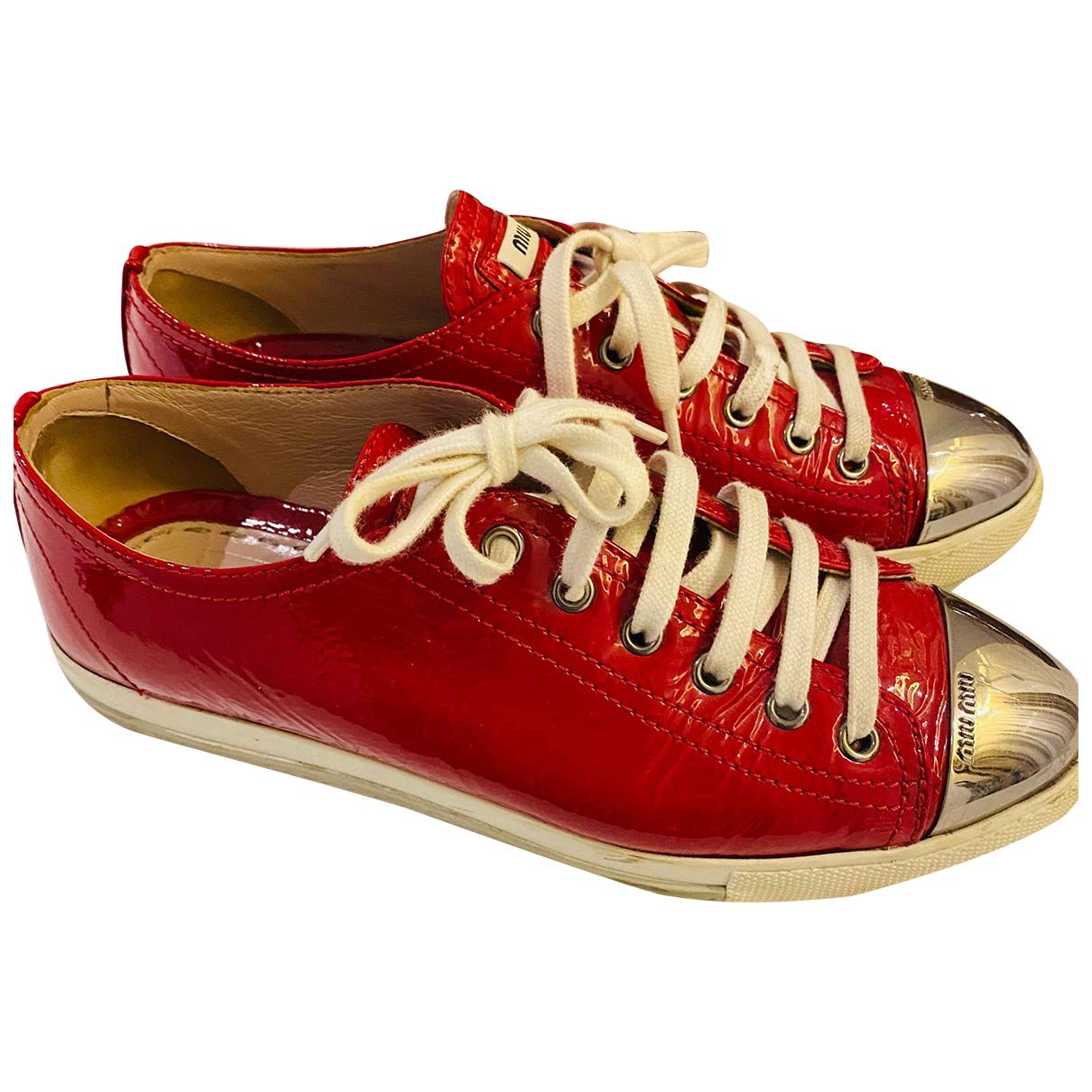 Miu Miu \N Sneakers in  Rot Lackleder