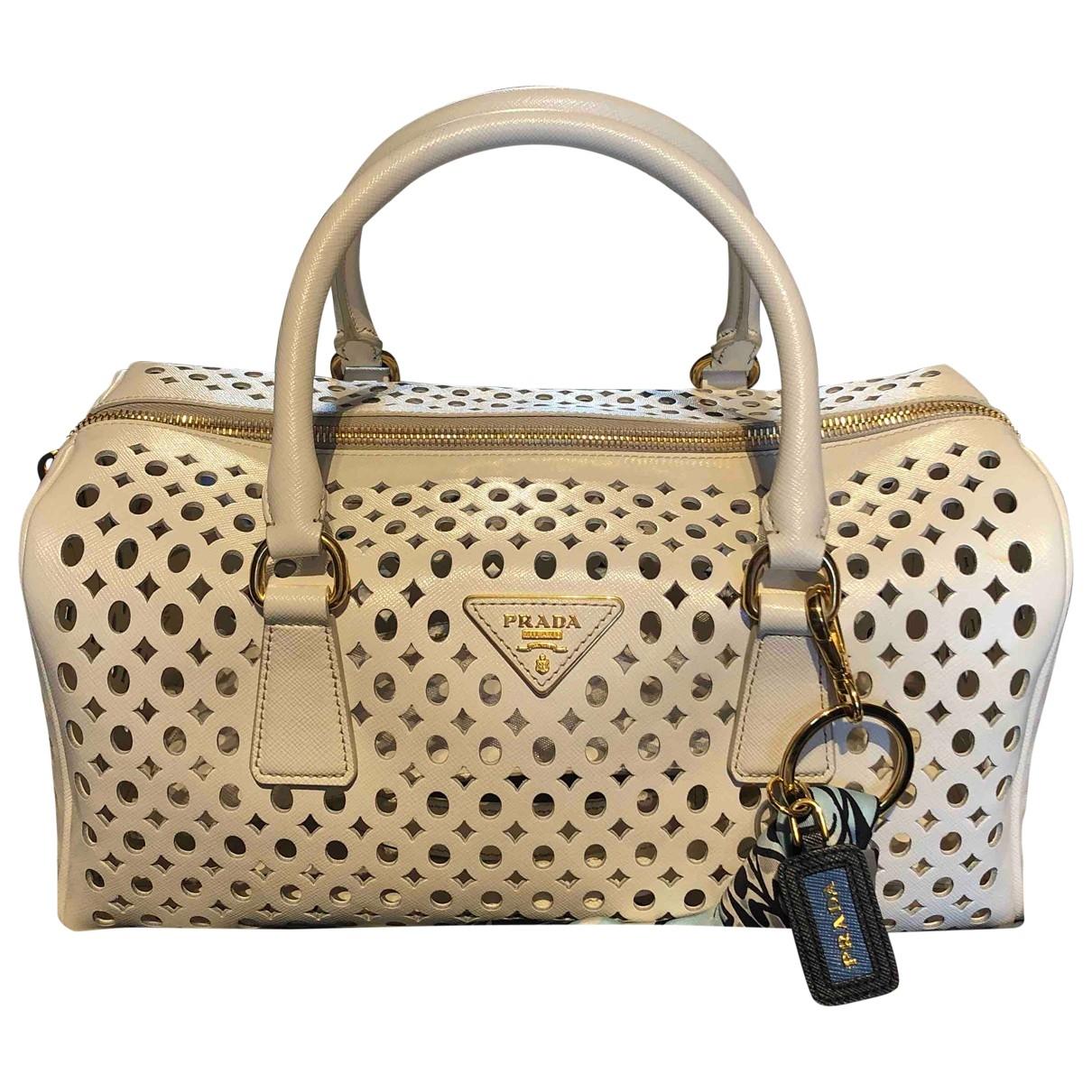 Prada \N Handtasche in  Weiss Leder