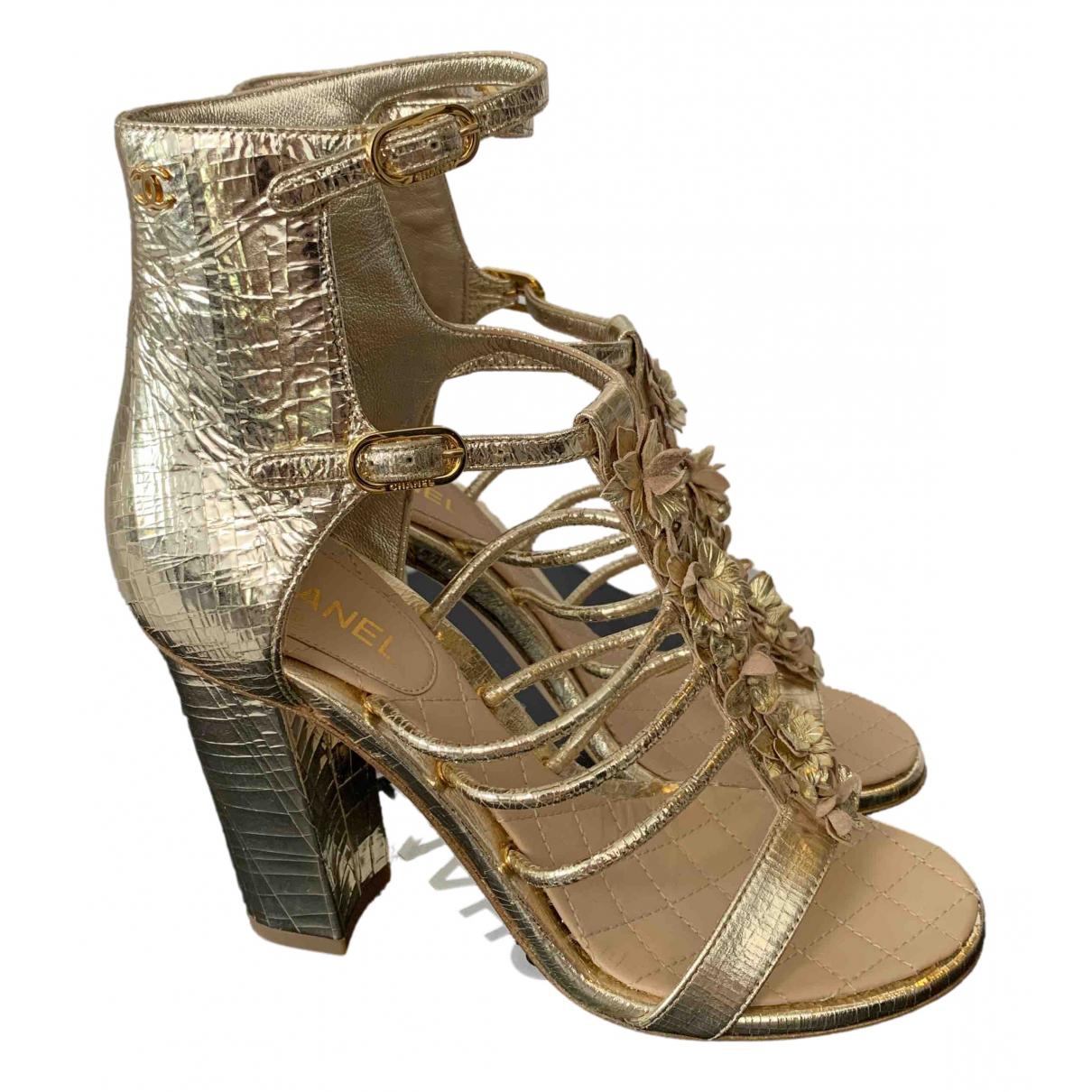 Chanel \N Sandalen in  Gold Leder