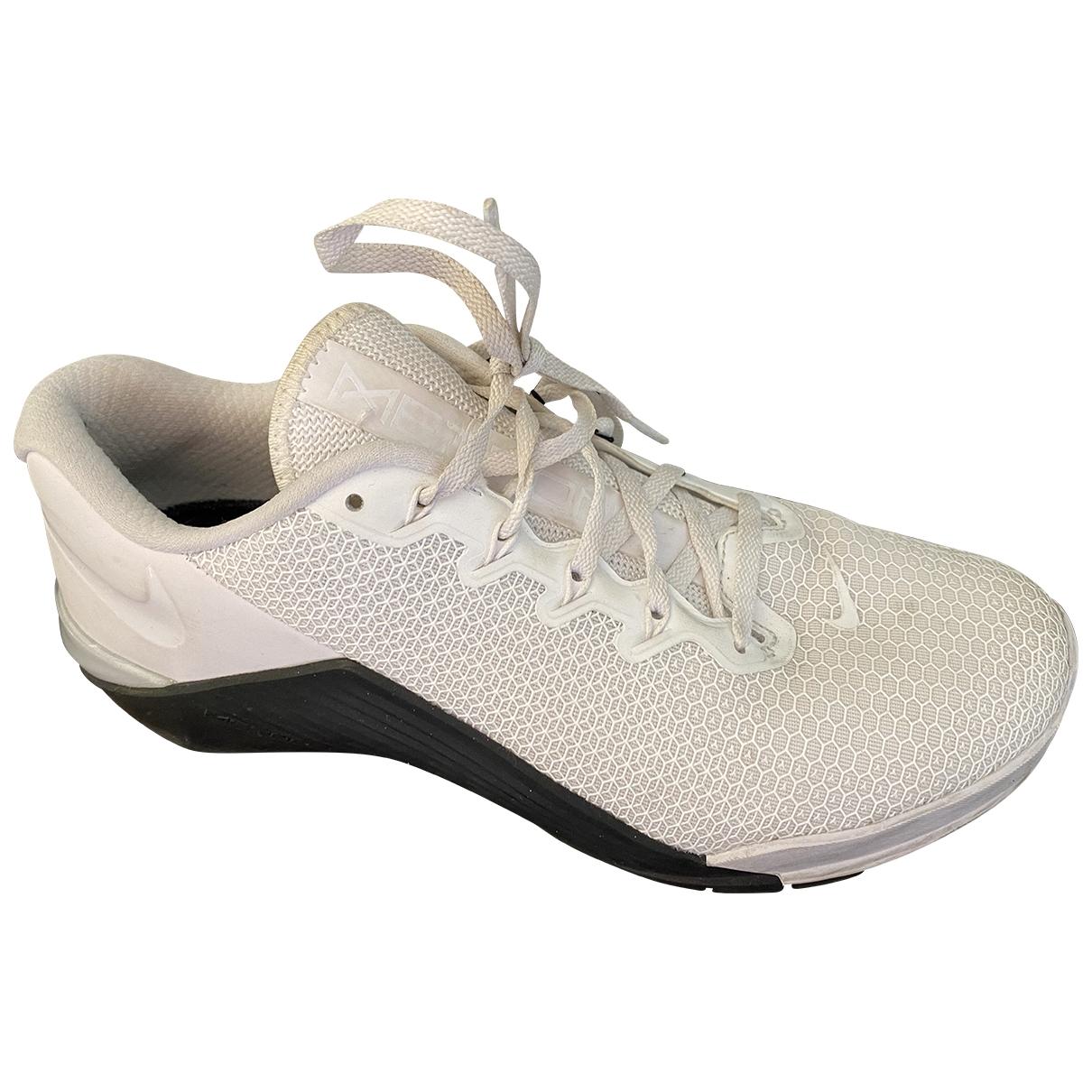 Nike - Baskets   pour femme en toile - blanc