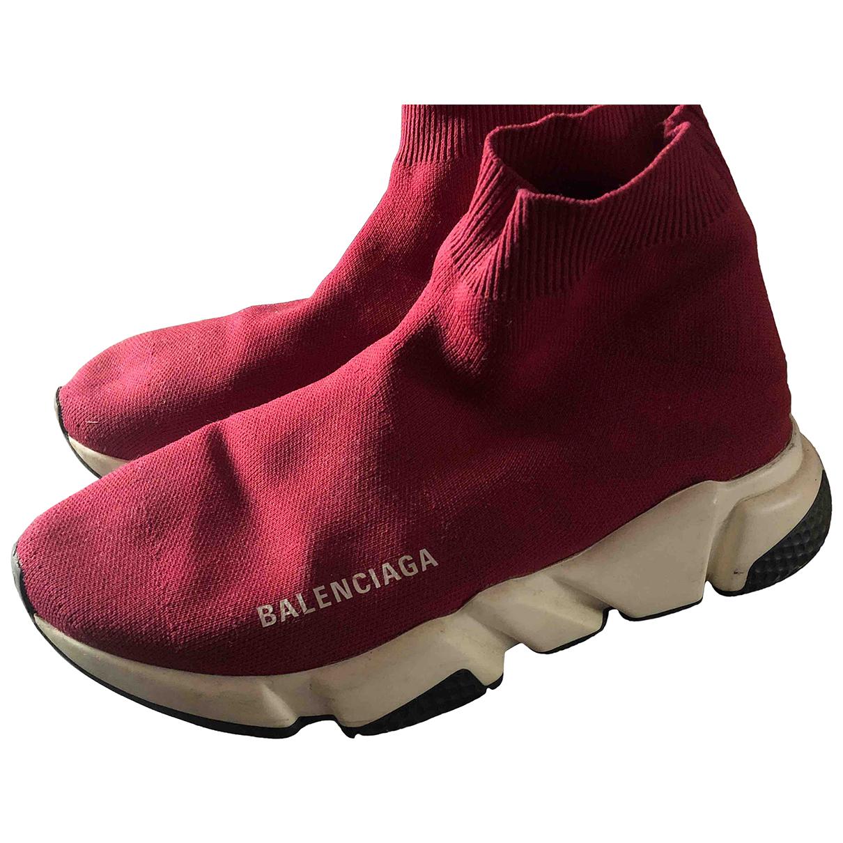 Balenciaga Speed Sneakers in  Rot Kautschuk