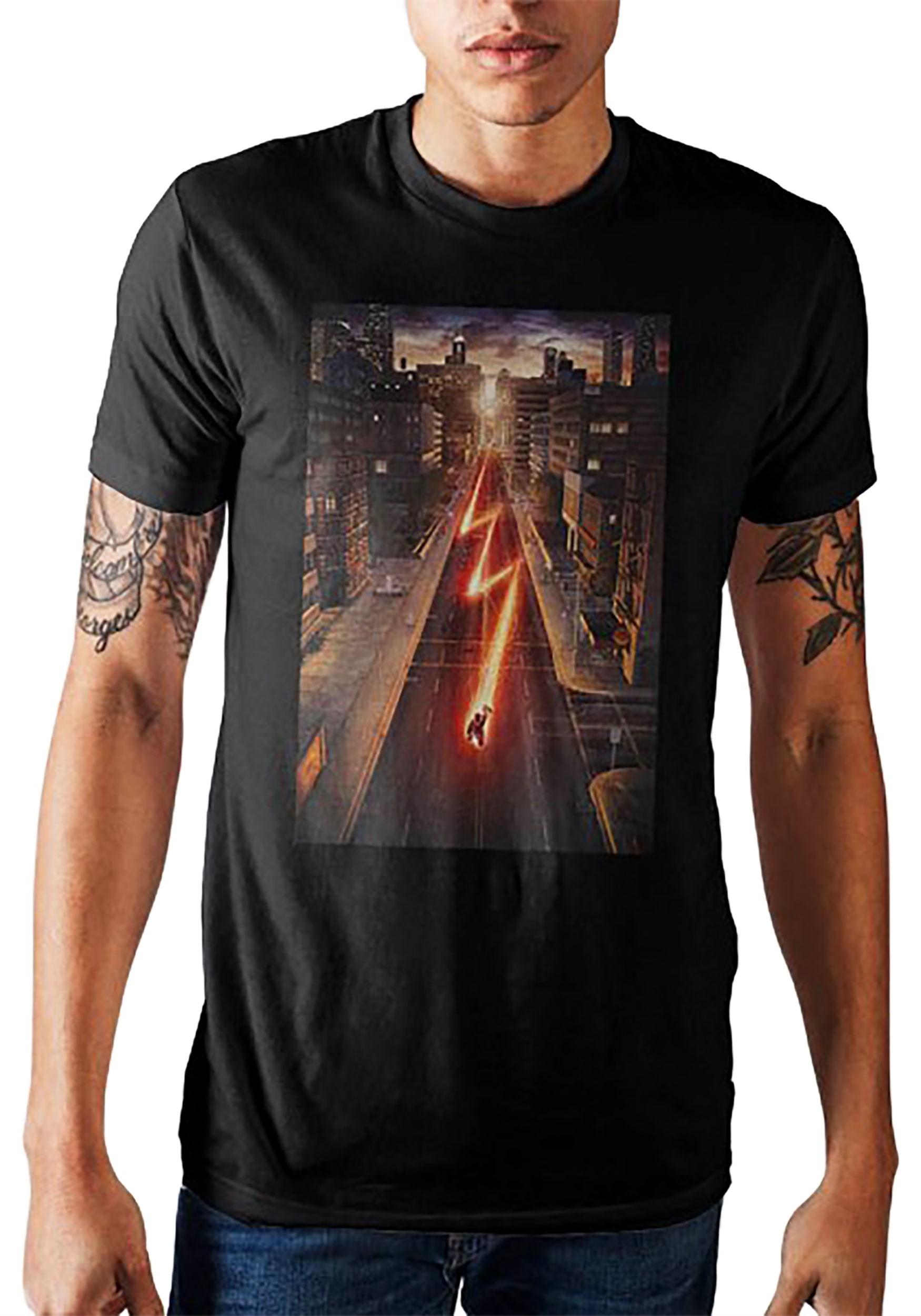 Men's DC Comics Flash Running Through The City Black Shirt