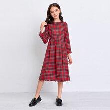 Kleid mit Bogenkante und Karo Muster