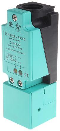 Pepperl + Fuchs 118mm Flush Mount Capacitive sensor, PNP-NO/NC Output, 15 mm Detection Range, IP65