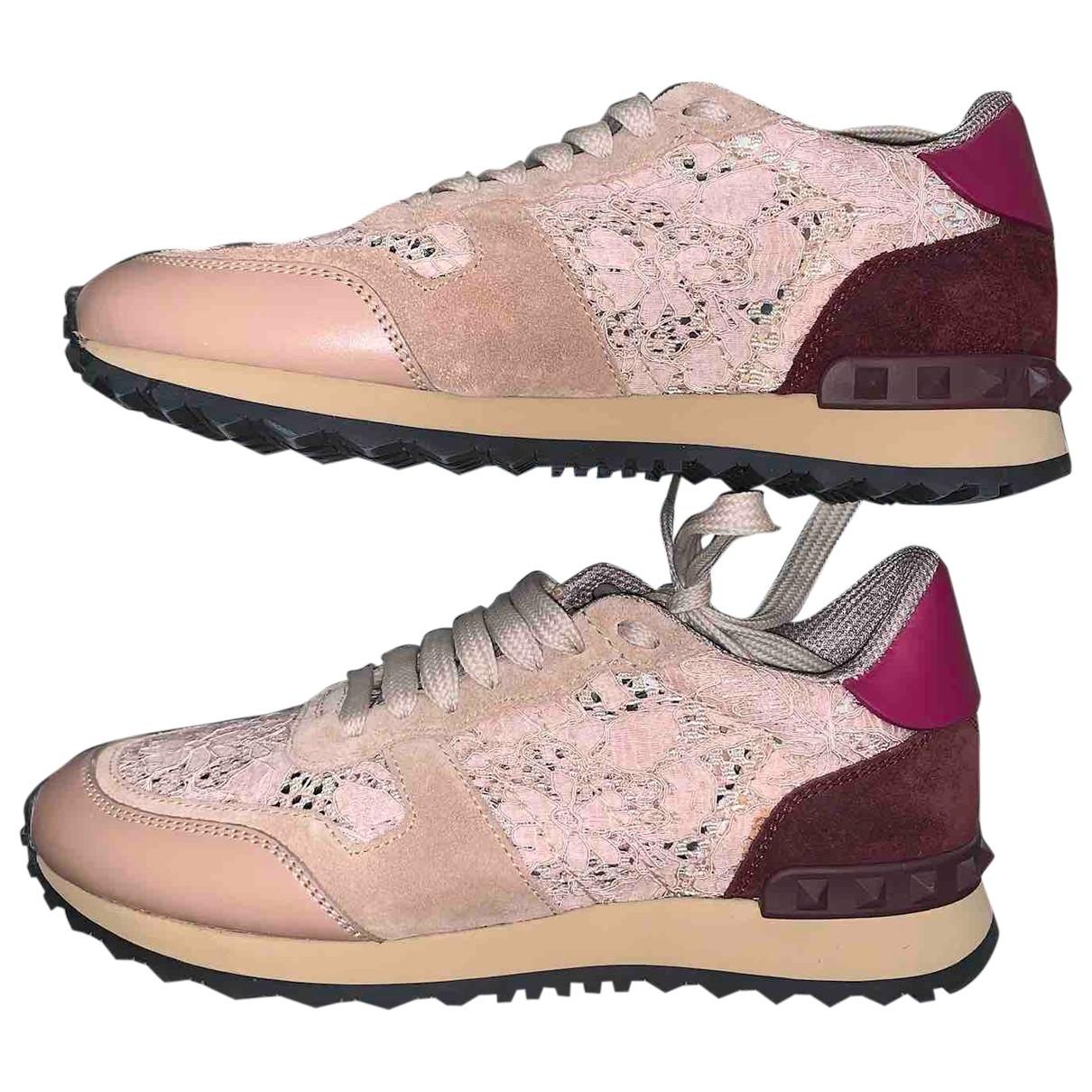 Valentino Garavani Rockrunner Sneakers in  Rosa Leinen