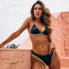 Bañador bikini triangulo unido en contraste