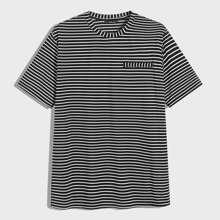 Camiseta de hombres de rayas con bolsillo no funcional