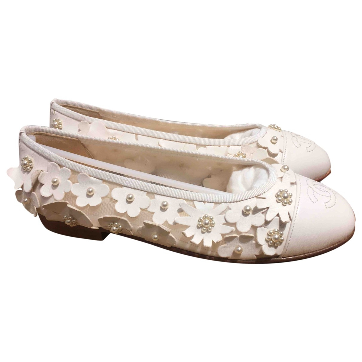 Chanel \N White Leather Ballet flats for Women 35 EU