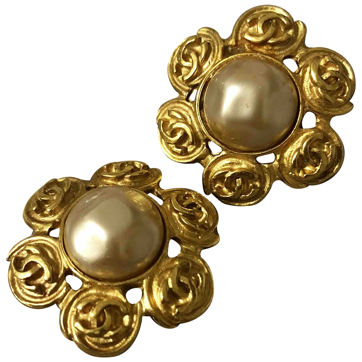 Chanel Baroque Gold Gold plated Earrings for Women \N