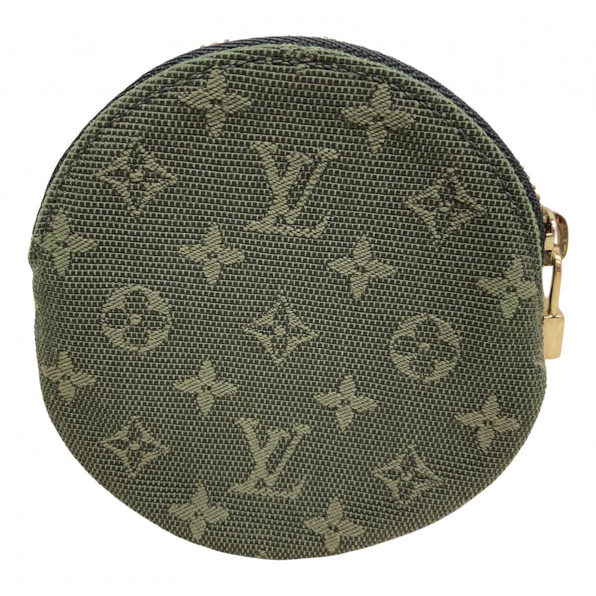 Louis Vuitton \N Kleinlederwaren in  Gruen Leinen