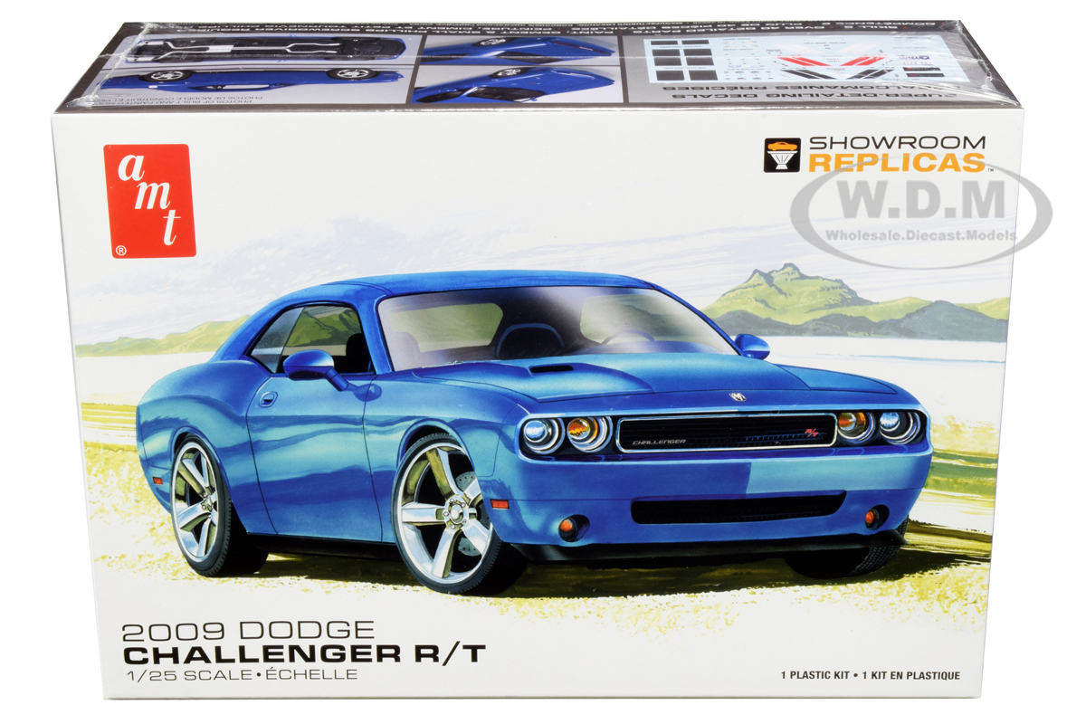 Skill 2 Model Kit 2009 Dodge Challenger R/T 1/25 Scale Model by AMT