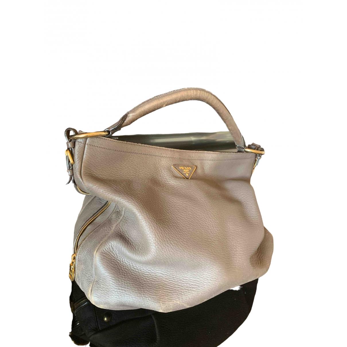Prada \N Handtasche in  Grau Leder