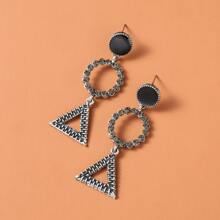 Ohrringe mit geometrischem Anhaenger