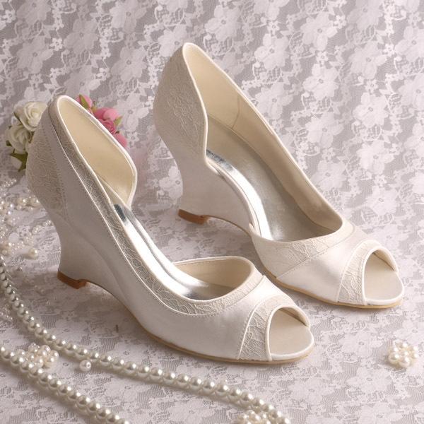 Ericdress Comfortable Wedge Heel Lace Wedding Shoes