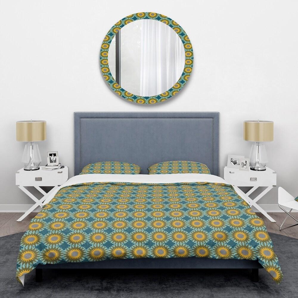 Designart 'Retro Circular Pattern I' Mid-Century Duvet Cover Set (Full/Queen Cover +2 Shams (comforter not included))