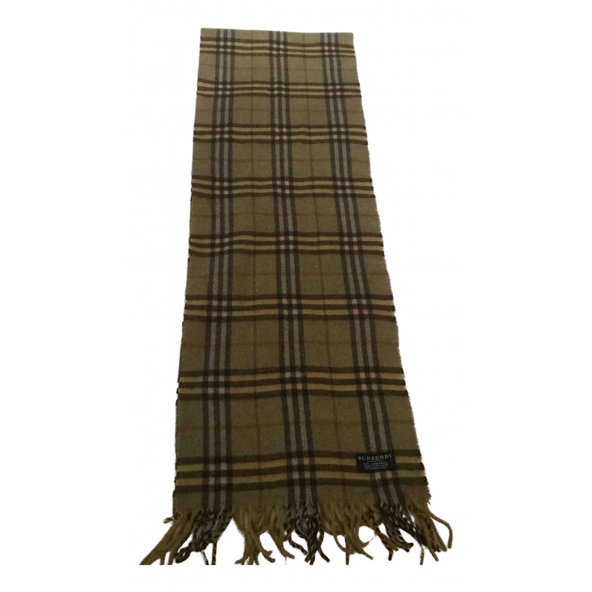 Burberry \N Schal in  Gruen Wolle