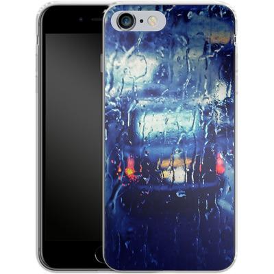 Apple iPhone 6s Plus Silikon Handyhuelle - London Taxi In The Rain von Ronya Galka