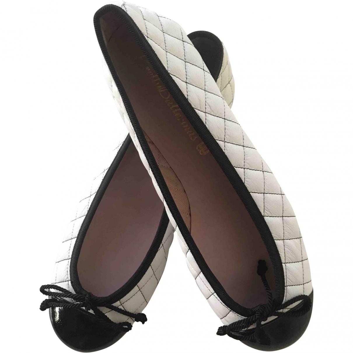 Pretty Ballerinas \N White Leather Ballet flats for Women 35 EU