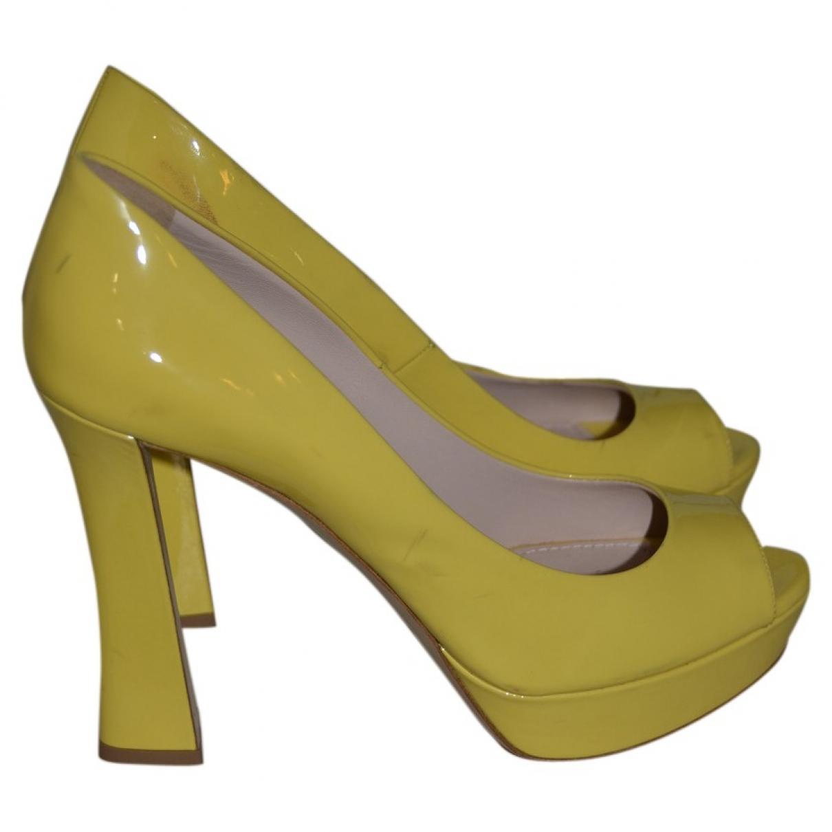 Miu Miu \N Pumps in  Gelb Lackleder