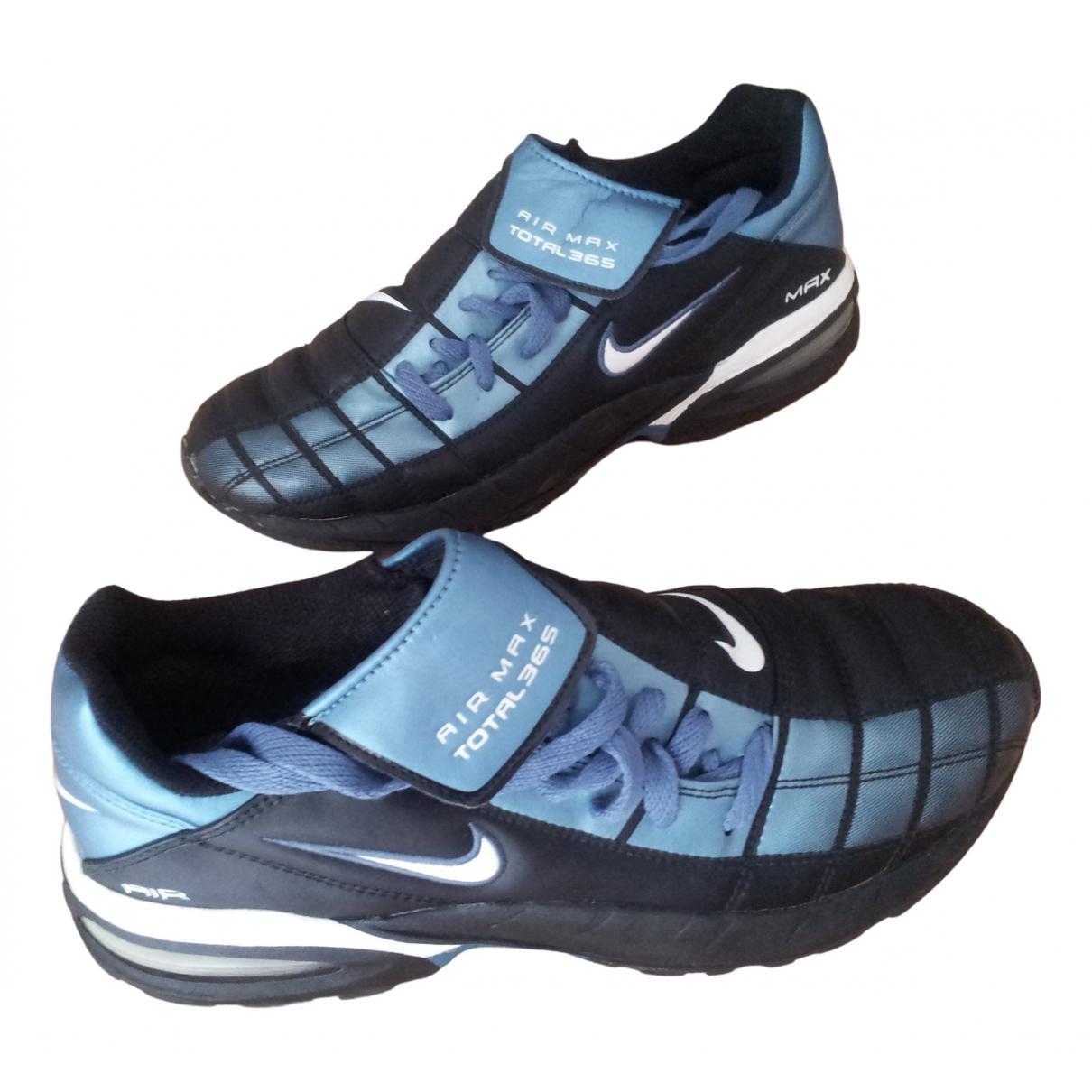 Nike Air Max  Sneakers in  Bunt Lackleder