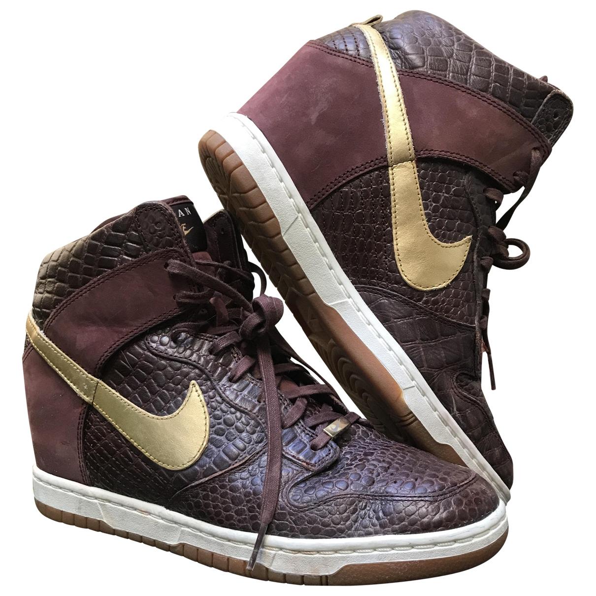 Nike Dunk Sky Sneakers in  Braun Leder