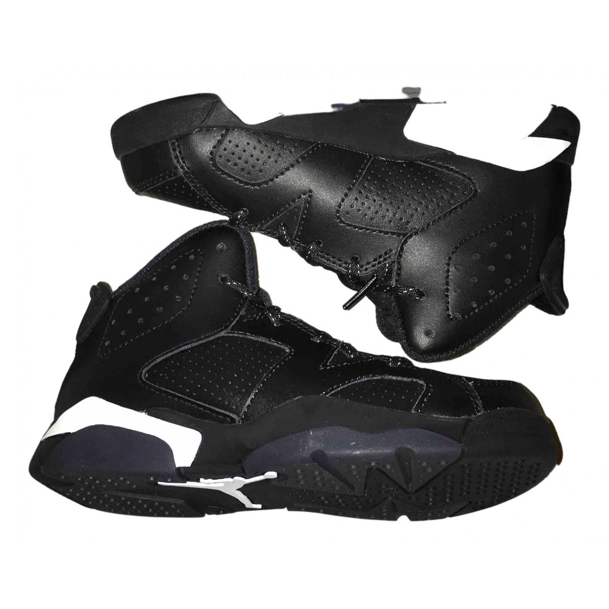 Jordan Air Jordan 6  Sneakers in  Schwarz Leder
