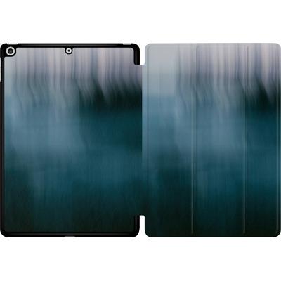 Apple iPad 9.7 (2018) Tablet Smart Case - Twilight Sea Abstract von Joy StClaire