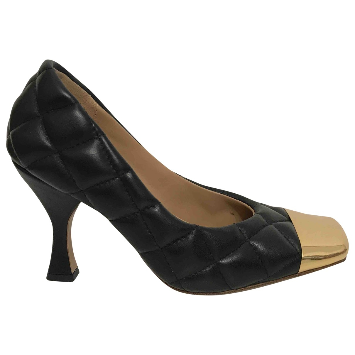 Bottega Veneta Almond Black Leather Heels for Women 35 EU