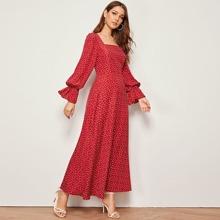 Maxi Kleid mit Herzen Muster, Schosschen auf den Ärmeln und quadratischem Ausschnitt