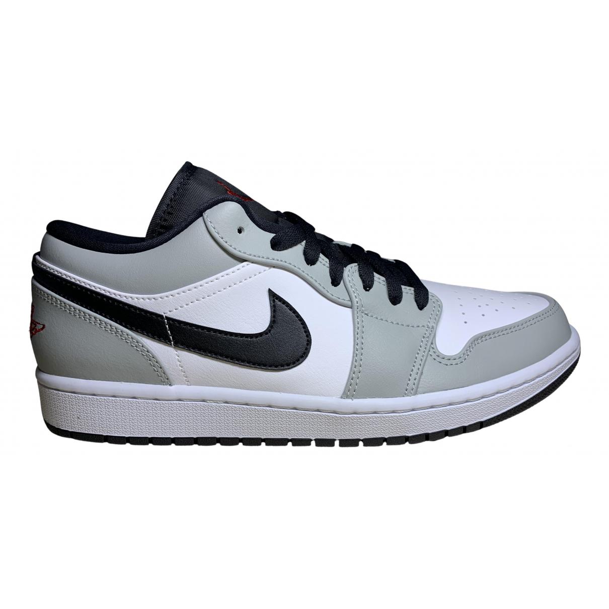 Jordan Air Jordan 1  Sneakers in  Grau Leder