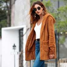 Rot-brauner Mantel mit Taschen