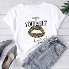 T-Shirt mit Leopard Lippen & Buchstaben Grafik