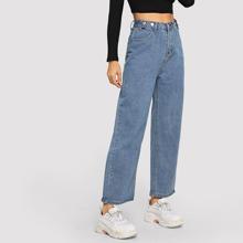 Jeans mit Knopfen und weitem Beinschnitt