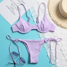Gerippter Bikini Badeanzug mit Buegel und seitlichem band