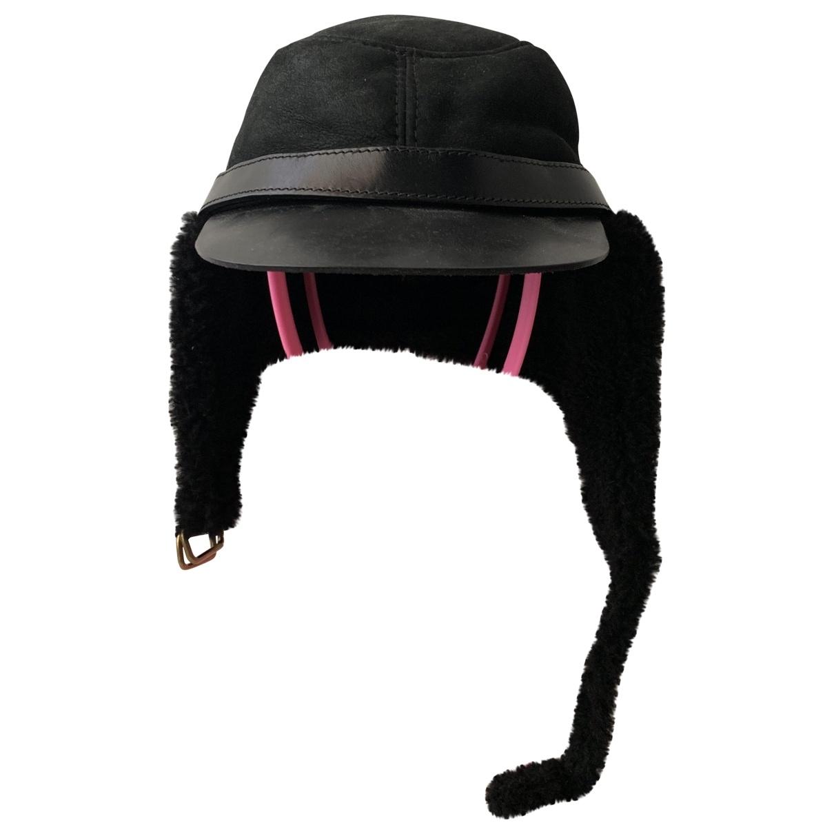 Burberry \N Black Leather hat & pull on hat for Men XL International