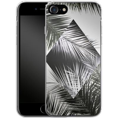 Apple iPhone 7 Silikon Handyhuelle - Palm Leaves 3 Geometry 2 von Mareike Bohmer