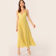 Kleid mit V Ausschnitt und Plissee