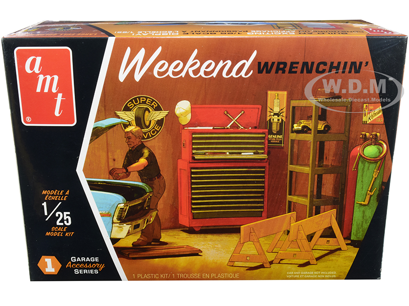 Skill 2 Model Kit Garage Accessory Set 1 with Figurine Weekend Wrenchin 1/25 Scale Model by AMT
