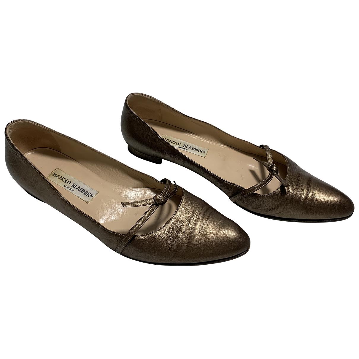 Manolo Blahnik \N Ballerinas in  Gold Leder