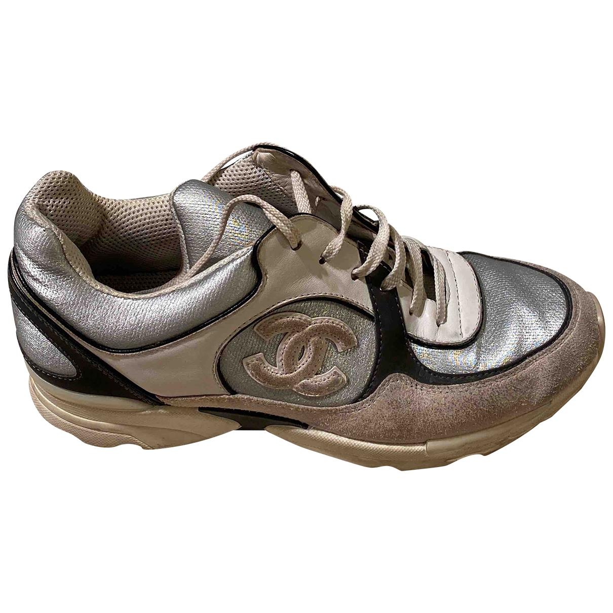 Chanel \N Sneakers in Leder