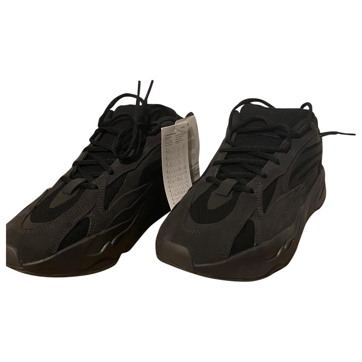 Yeezy X Adidas - Baskets Boost 700 V2 pour homme en cuir - noir