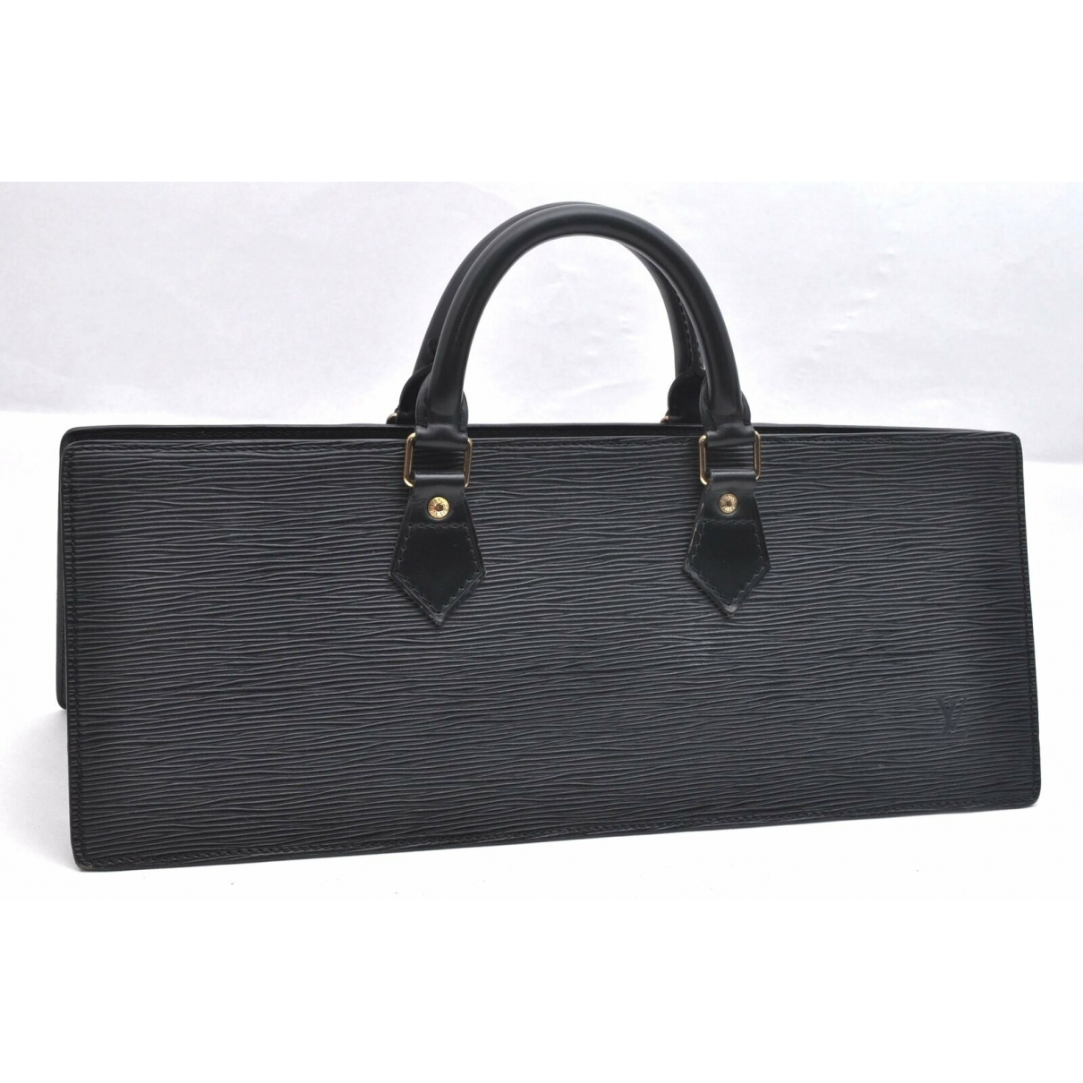Louis Vuitton \N Black Leather handbag for Women \N