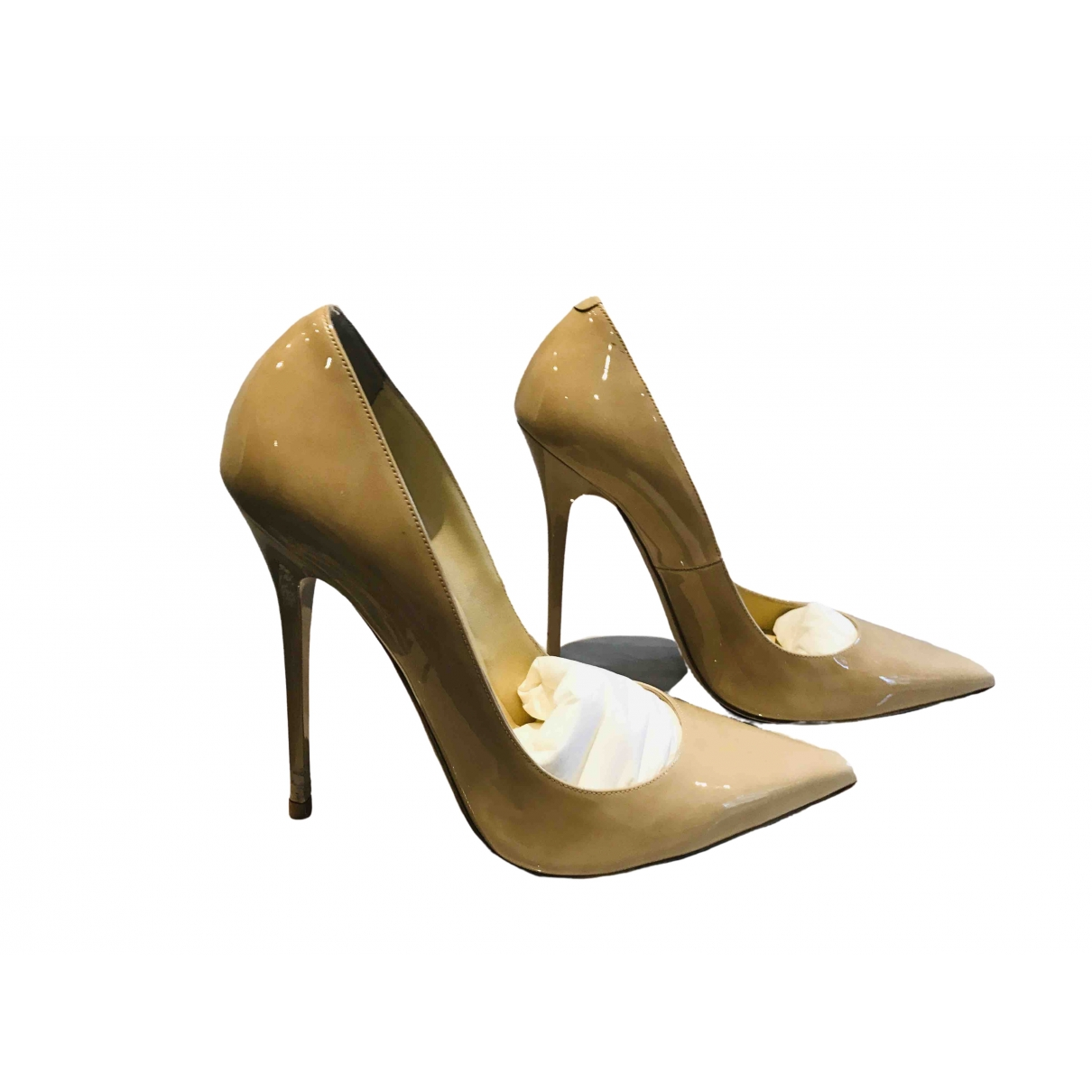 Jimmy Choo Anouk Pumps in  Beige Lackleder