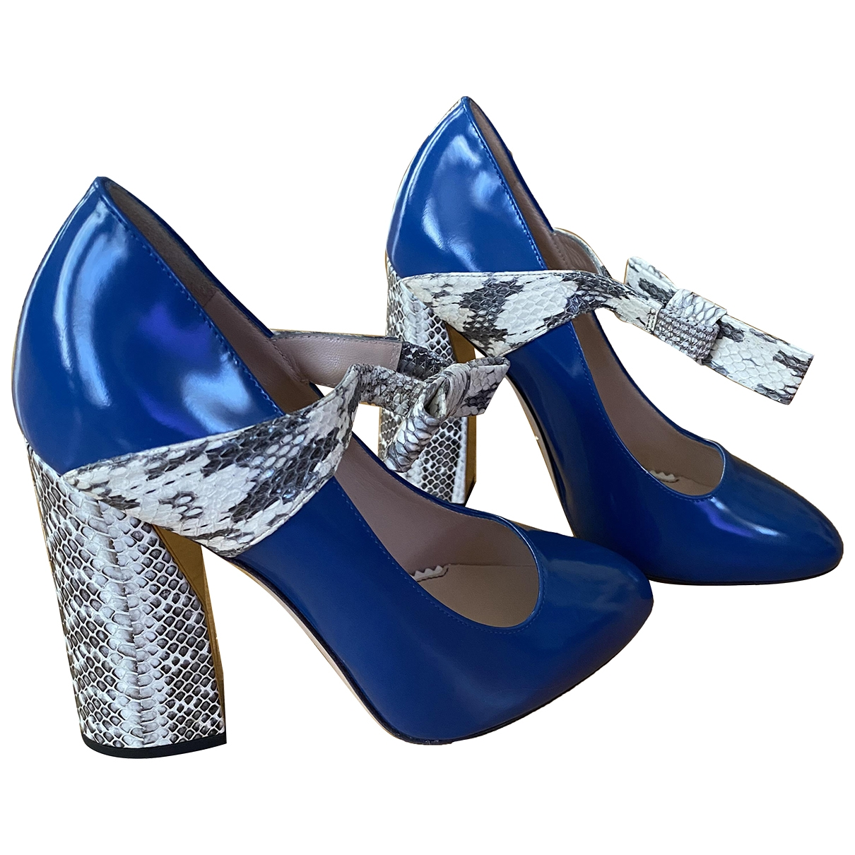 Gucci \N Pumps in  Blau Lackleder