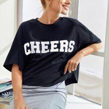 Camiseta con estampado de letra de hombros caidos