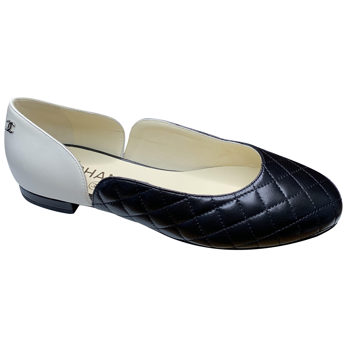 Chanel \N Ballerinas in Leder