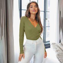 Einfarbiger Pullover mit V-Kragen