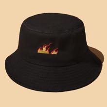 Sombrero cubo con bordado de fuego