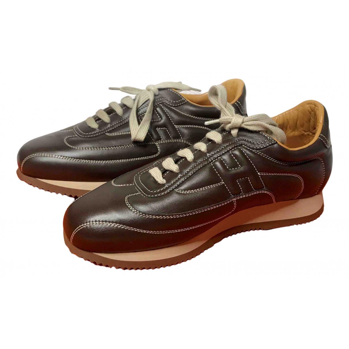 Hermes Kool Sneakers in  Braun Leder