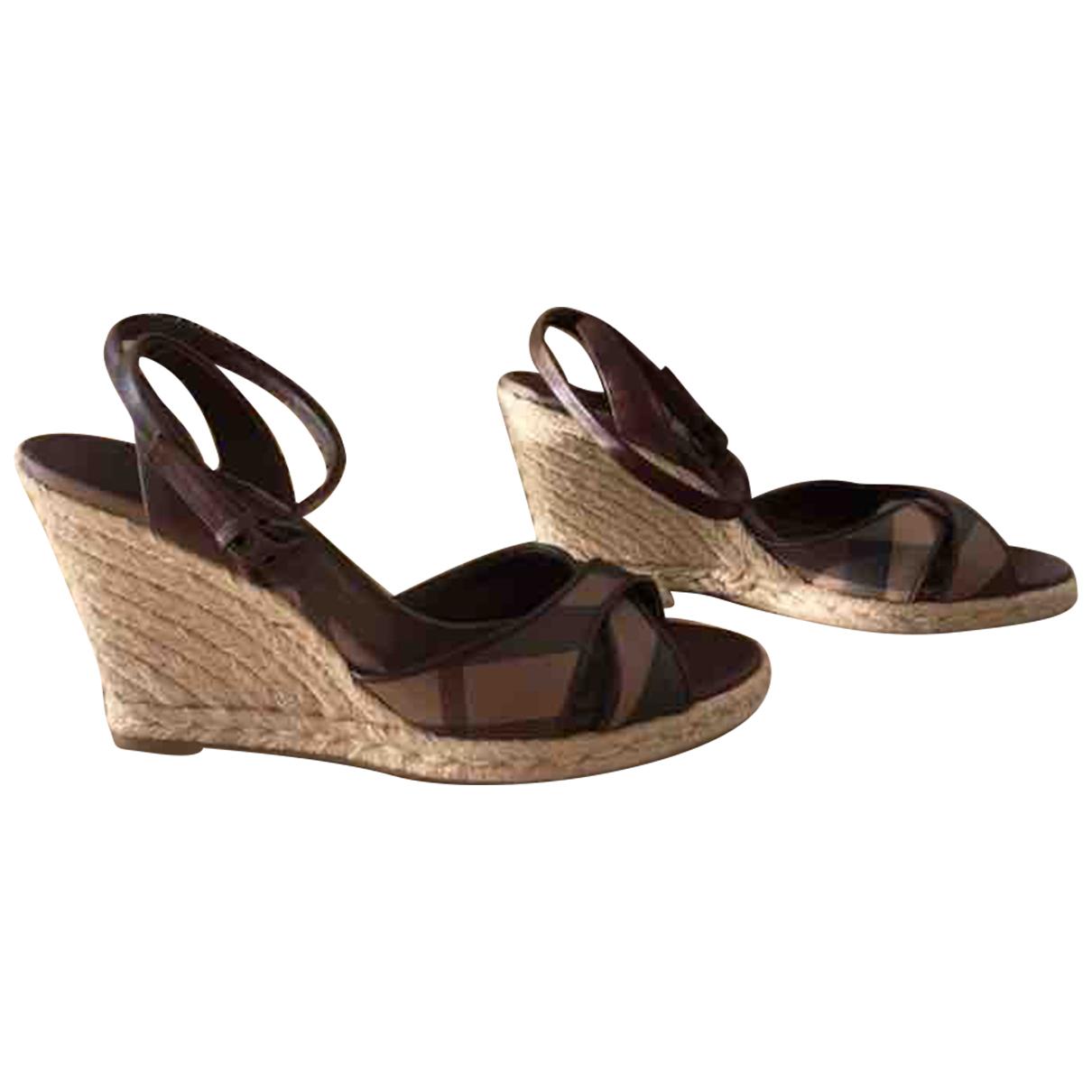 Burberry \N Beige Sandals for Women 39 EU